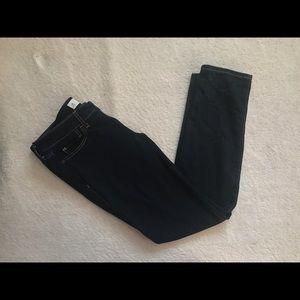 < A&F Skinny Jeans >
